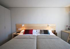 Hotel Avenida - 팜플로나 - 침실