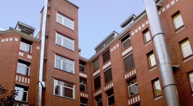 아카마호텔 + 호텔 크로이츠베르크 - 베를린 - 건물