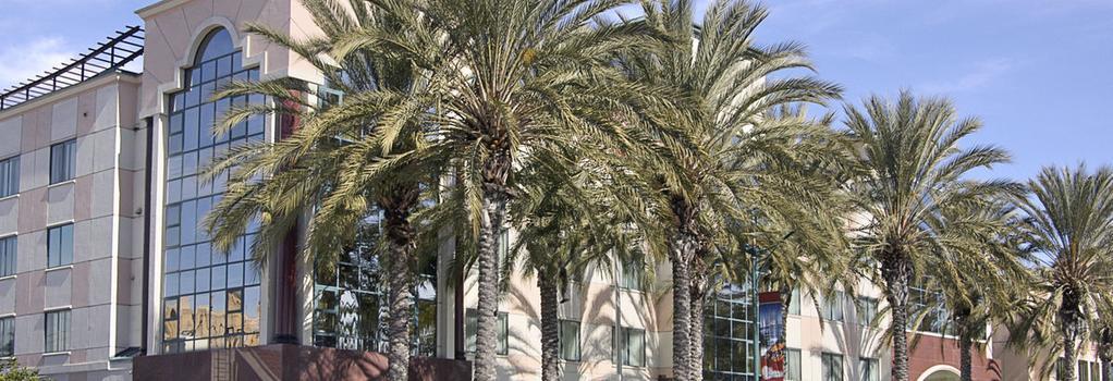 Ramada Plaza Anaheim - 애너하임 - 건물