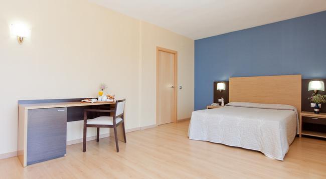 Hotel Cimbel - 베니도름 - 침실