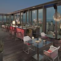 더 레벨 앳 메리아 바르셀로나 스카이 호텔 Dos Cielos Terrace