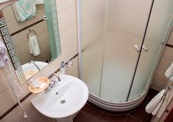 Tonika Hotel - 사마라 - 욕실