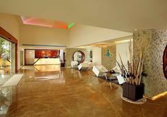 플로라 에어포트 호텔 - 코치 - 로비