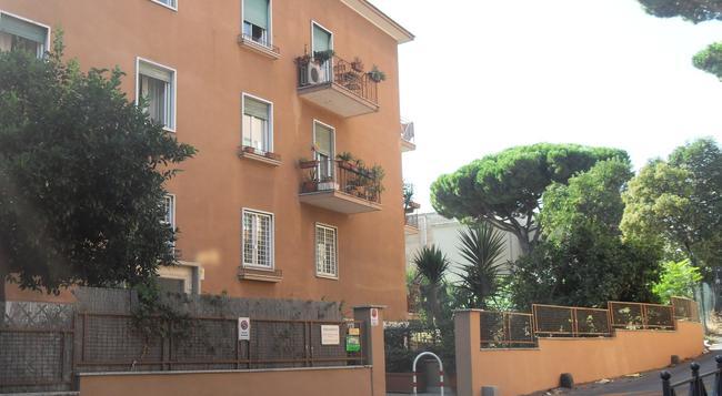 Bed & Breakfast Al Vicoletto - 로마 - 건물