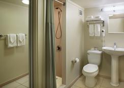 앰배서더 호텔 와이키키 - 호놀룰루 - 욕실