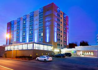 Holiday Inn Express & Suites Pittsburgh West - Green Tree