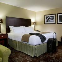 Holiday Inn Express & Suites Pittsburgh West - Greentree Guestroom