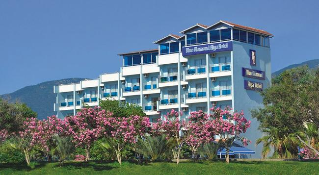 Blue Diamond Alya Hotel - 알라냐 - 건물