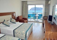 Blue Diamond Alya Hotel - 알라냐 - 침실