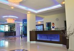 Blue Diamond Alya Hotel - 알라냐 - 로비