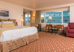 Anchorage Grand Hotel - 앵커리지 - 침실