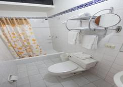 Hotel Nirvana - 리마 - 욕실