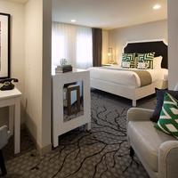 Carlyle Inn Guestroom