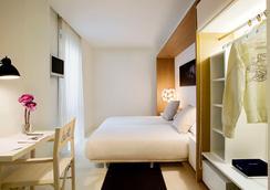 Hotel Denit Barcelona - 바르셀로나 - 침실