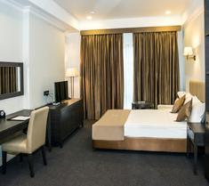 앰배서더 호텔
